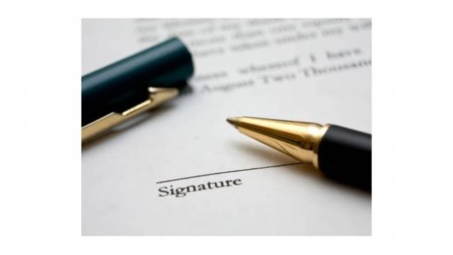 Signcontractlarge
