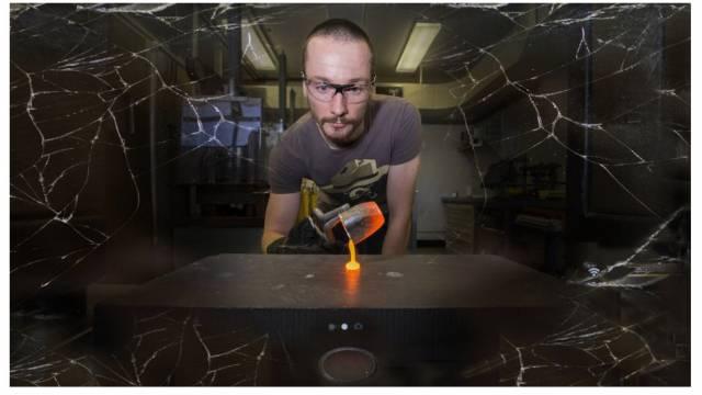 AH1P5708CharlesLeLosqshatterproofglassCompositeresized